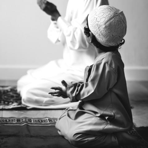 چرا تربیت دینی فرزند؟